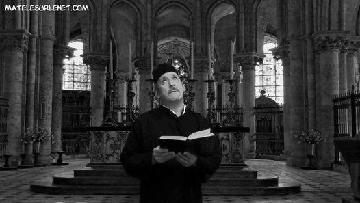 Depuis quelques années le tombeau du Christ à Jérusalem est en restauration. Pour la première fois depuis 1810, la restauration de cet édifice a permis aux experts d'ouvrir la pierre tombale de Jésus, en octobre 2016. Écoutons l'Abbé Ricko nous parler de cet événement.