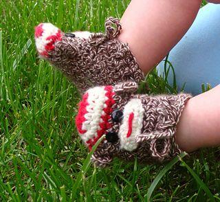 Monkey Face Baby Booties free crochet pattern.