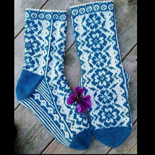 Ravelry: Flora Romantica pattern by JennyPenny