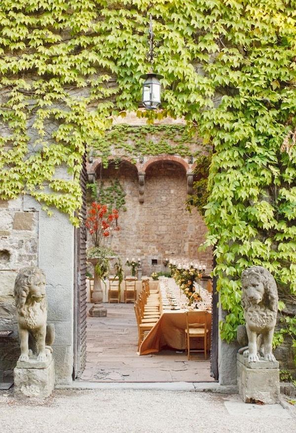 Italiaanse binnenplaats.