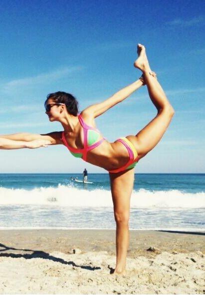 Nina & her PERFECT bikini body at the beach. Nina Dobrev from The Vampire Diaries ♥