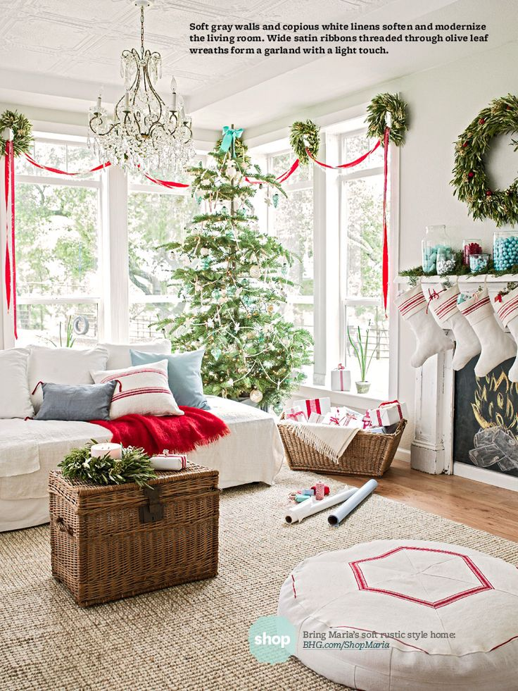 Pretty Christmas Living Rooms love the wreaths