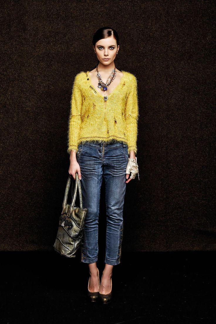#danieladallavalle #collection #elisacavaletti #fw15 #yellow #cardigan #blue #denim  #jeans #bag #necklace