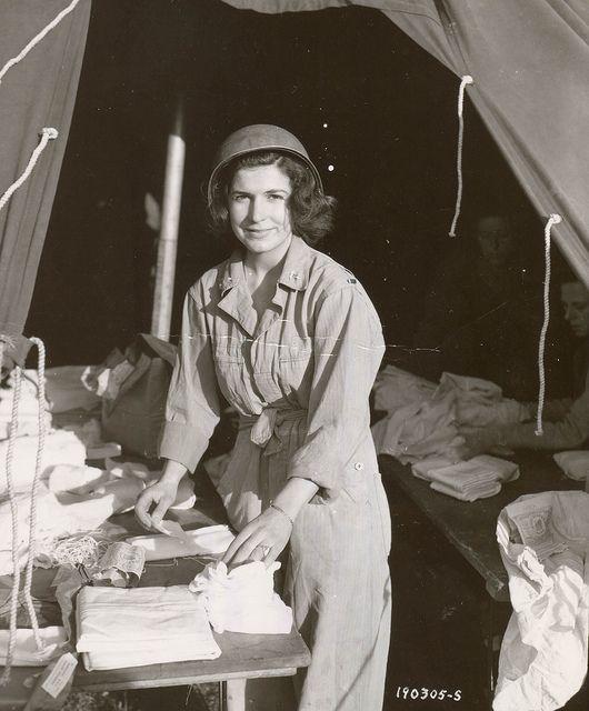 ༺♥༻@>~Wonderful~<@༺♥༻   June 6, 1944 ... D-Day nurse   I was 3 yrs old when this was taken