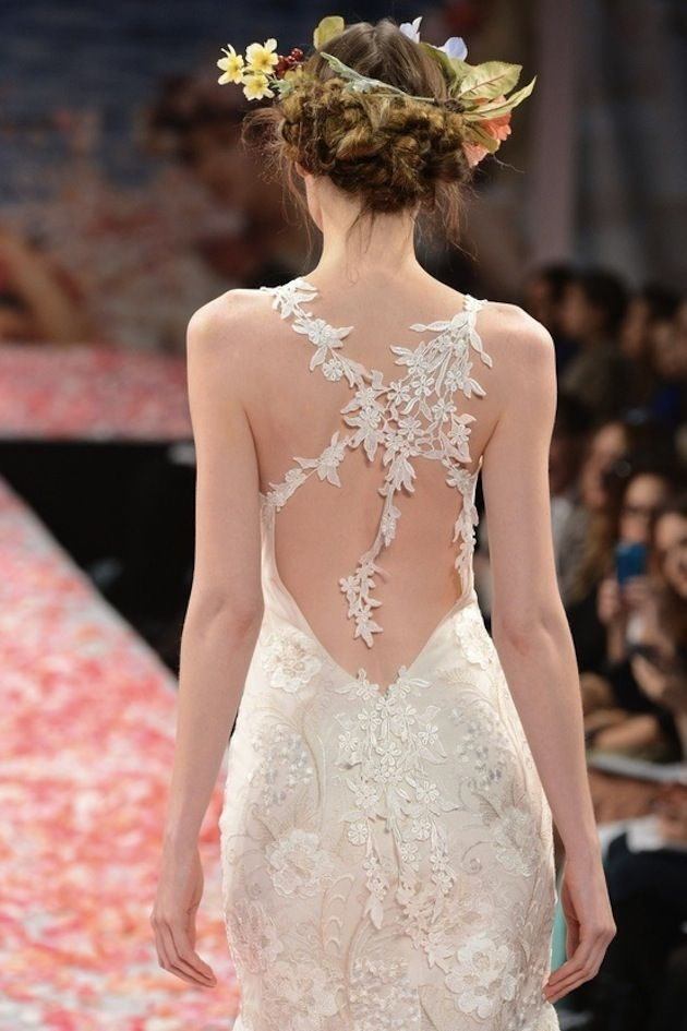 Amazing back ~ so delicate.
