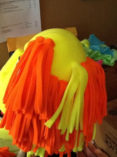 This is a great hair technique, using strips of felt to make puppet hair.   Hair technique