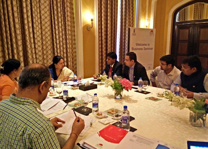 Mr. Arun Poddar in a meeting with Smt. Vasundhara Raje (CM of Rajasthan)