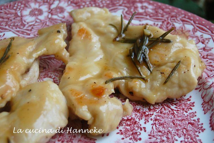 Scaloppine di pollo al limone e rosmarino http://blog.giallozafferano.it/lacucinadihanneke/scaloppine-di-pollo-al-limone-e-rosmarino/