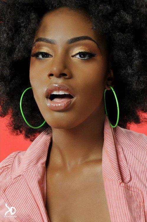 ...Hair Afro, Nature Makeup Black Models, Face, Eye Makeup, Afro Chic, Hair Makeup, Nature Hairstyles, Nature Beautiful, Hair Inspiration