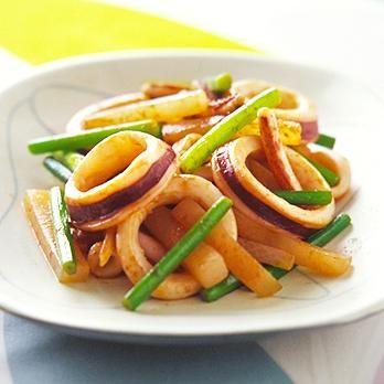 いかとにんにくの芽のわた炒め | 平井淑子さんの炒めものの料理レシピ | プロの簡単料理レシピはレタスクラブニュース