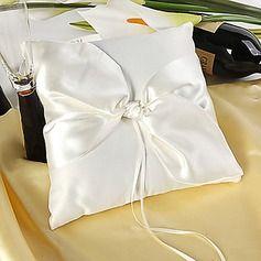 semplice anello cuscino design in satin avorio con un nodo elegante(103018238)