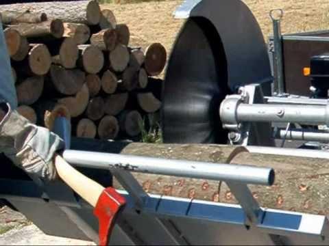 Wippsäge 700 mm Blattdurchmesser, Antrieb über Verbrennungsmotor (Kartmotor) 7.5 PS mit Ölbadkupplung, angebautrer Kegelspalter 80 mm Durchmesser (nutzt die ...