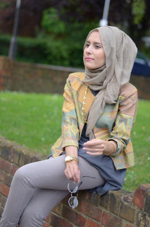 Impressive collection of dina tokio hijab fashion ideas for modern women (7)