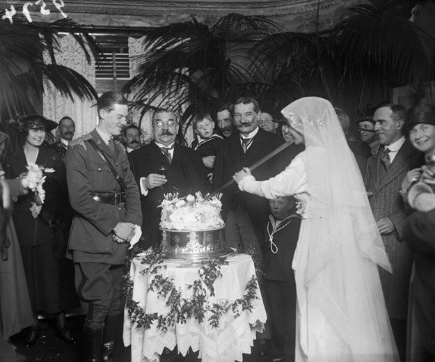 1918 | 36 Stunning Vintage Wedding Dresses From Yesteryear