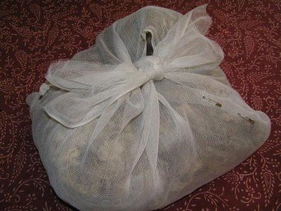 Tips on washing raw (strait from the sheep) wool.