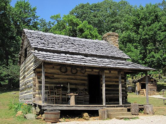 The 60 best images about rustic cabins and interiors on for Primitive cabin plans