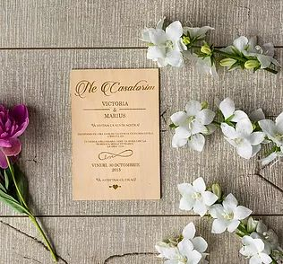 We love to create beautiful handcrafted wedding invitations from special materials like wood. Each invitation that your guests receive will be a work of art.
