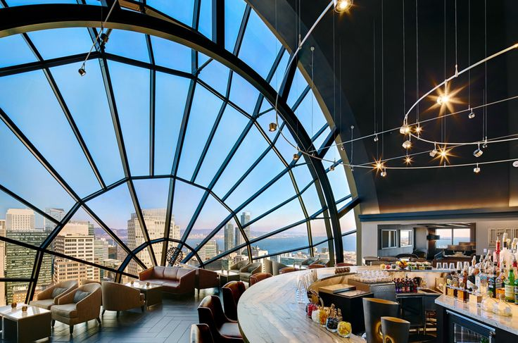 GoAltaCA | 9 Restaurants You Must Try in San Francisco - Pictured: View Lounge at the Marriott Marquis San Francisco