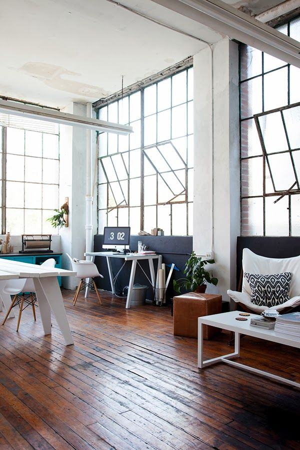 Amazing space, large windows and industrial feeling