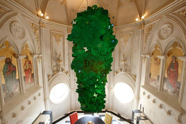 German lighting designer, Ingo Maurer, has outdone himself with this 12 foot mass of emerald-green sponges. The fixture is filled with LED lighting that makes it glow from within. Nestled in and swarming around it, are... Photograph by Marcus Gaab.