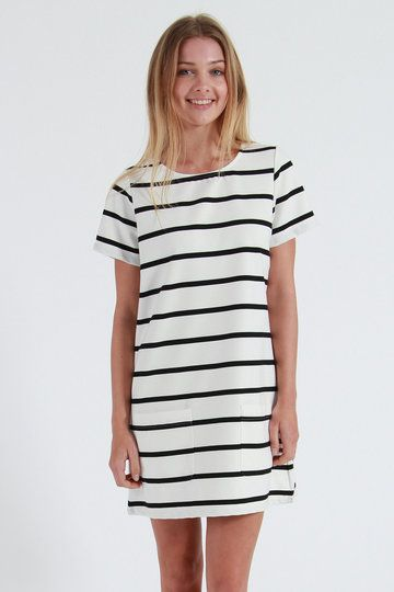 Once you're dekkied out in Stussy's Coppola Tee Dress, beware of the style stalkers - everyone's lusting for this one. Offering Stussy's signature stripe, it's also donning a cute A-line shape and two dinky pockets at the front.