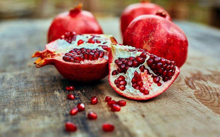 11 gesunde Gründe: Darum solltet ihr dem Granatapfel eine Chance geben.