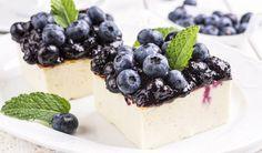 Rezept für leichte Low Carb Joghurt-Schnitten mit Heidelbeeren - kohlenhydratarm, kalorienarm, ohne Zucker und Getreidemehl