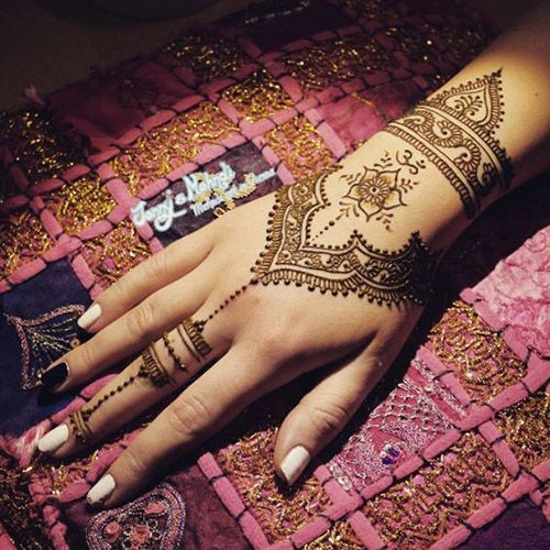 cool henna design for hands
