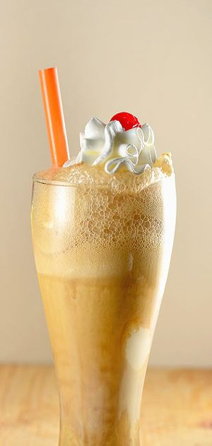 Root beer float is mixed drink with vodka,root beer,ice cream and Kahlua liqueur.Very delicious!!!!!
