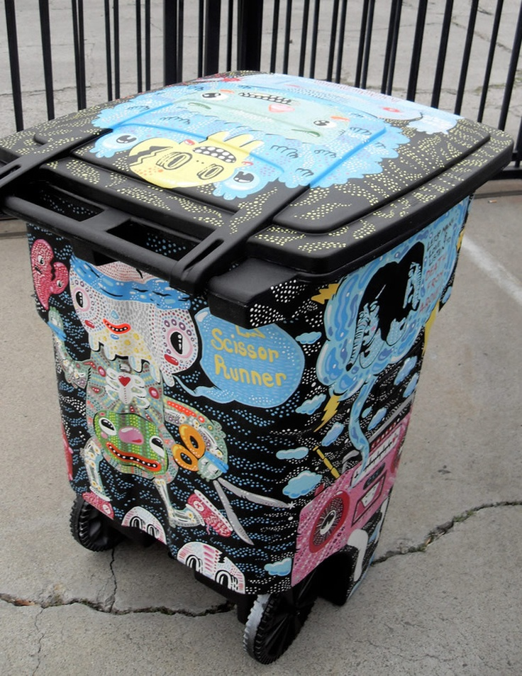 Wouldn't you prefer seeing artistic trash bins on the streets?