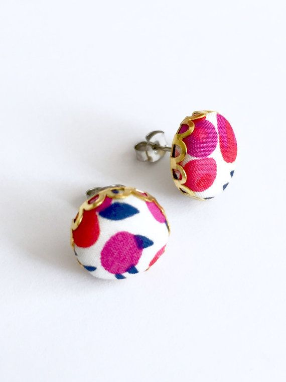 Button stud earrings poppy fabric covered buttons by Rubenabird