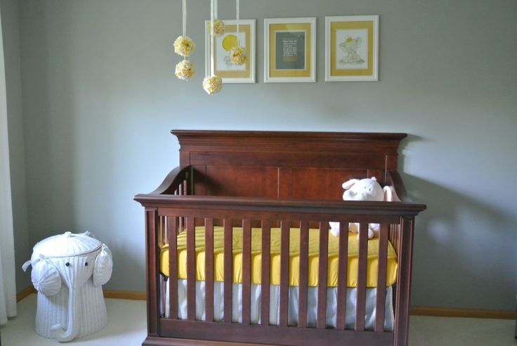 Baby's Dream Legendary Solid Panel Crib looks great in the Cinnamon finish! with a Canary Yellow crib sheet