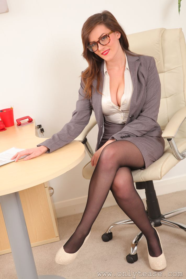 secretary female escort hamilton