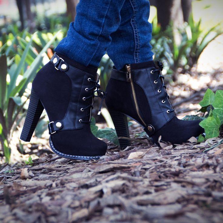 #botas #tendencias2014 #PriceShoes #Vivelamoda #Lamodamasdeseada #booties #detalles #shoes    Pídelas aquí ► http://www.priceshoes.com/default.asp