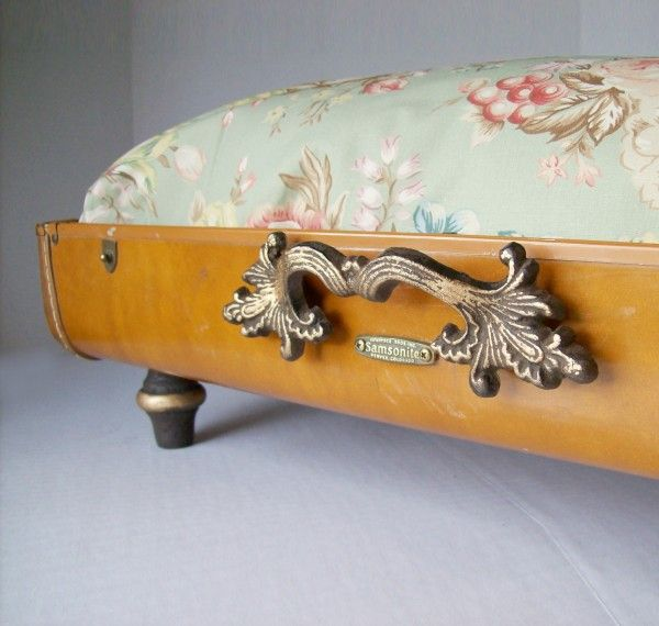 Recycled suitcase pet bed: http://www.recyclart.org/2012/01/recycled-vintage-suitcase-unique-pet-bed/