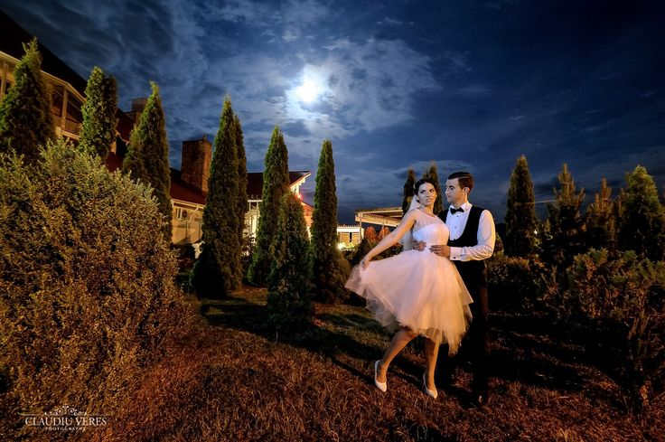 Short wedding dress at night