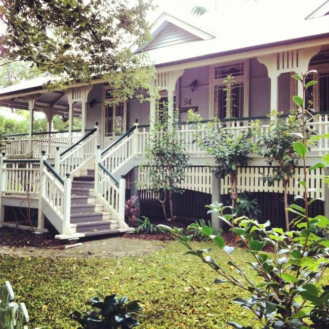 Lovely Queenslander in Brisbane- The House that A -M built. Love the two tone railings and picked fencing below verandah
