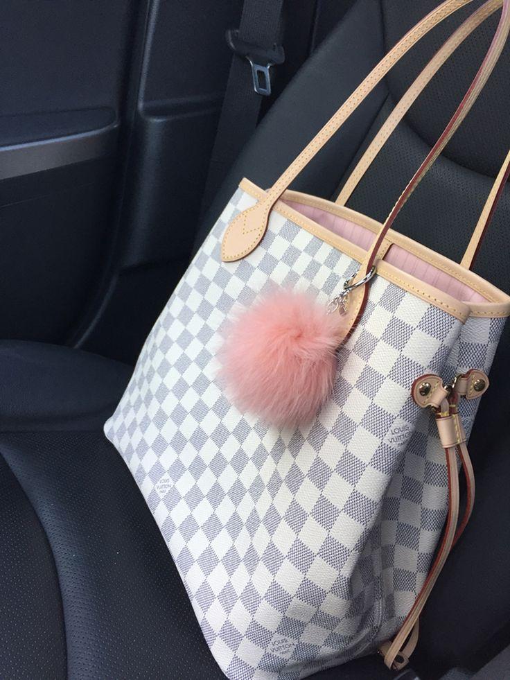 tPF Member: Paula3boys, Bag: Louis Vuitton NeverFull, Shop: Similar styles via Louis Vuitton