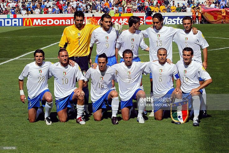 Italy's national football team players pose, 14 June 2004 at Henriques stadium in Guimaraes, before their Euro 2004 group C football match against Denmark at the European Nations championships in Portugal. (top,L to R) Goalkeeper Gianluigi Buffon, forward Christian Vieri, defender Christian Panucci, defender Alessandro Nesta, midfielder Cristiano Zanetti. (first row, L to R) midfielder Simone Perrotta, Italy's forward Francesco Totti, midfielder Mauro Camoranesi, forward Alessandro Del…