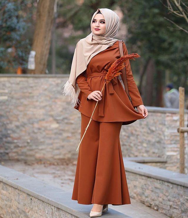 Elisa Ferace Tunik Mavi Lefzen Elisa Ferace Lefzen Mavi Tunik Hijab Trends Abayas Fashion Hijab Evening Dress