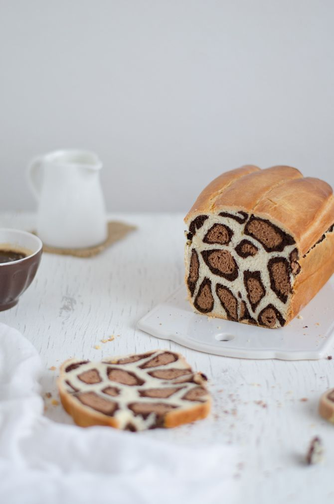 Leopard cake (the recipe is in Portuguese you might use an online translator) - Coco e Baunilha