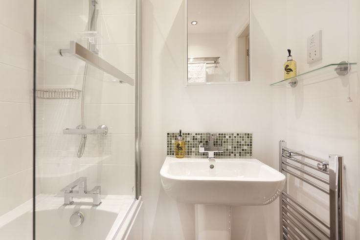 You won't find any soap operas in this luxurious bathroom!