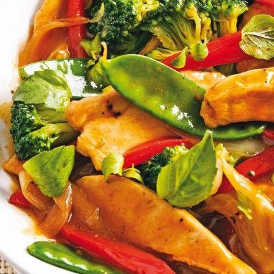 Sauté de poulet au basilic thaï - Recettes - Cuisine et nutrition - Pratico Pratique