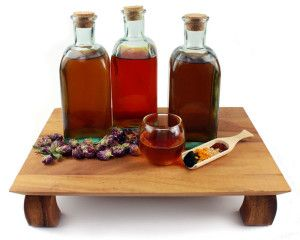 Simple How to Make Medicinal Vinegars: The Mountain Rose Herb Way