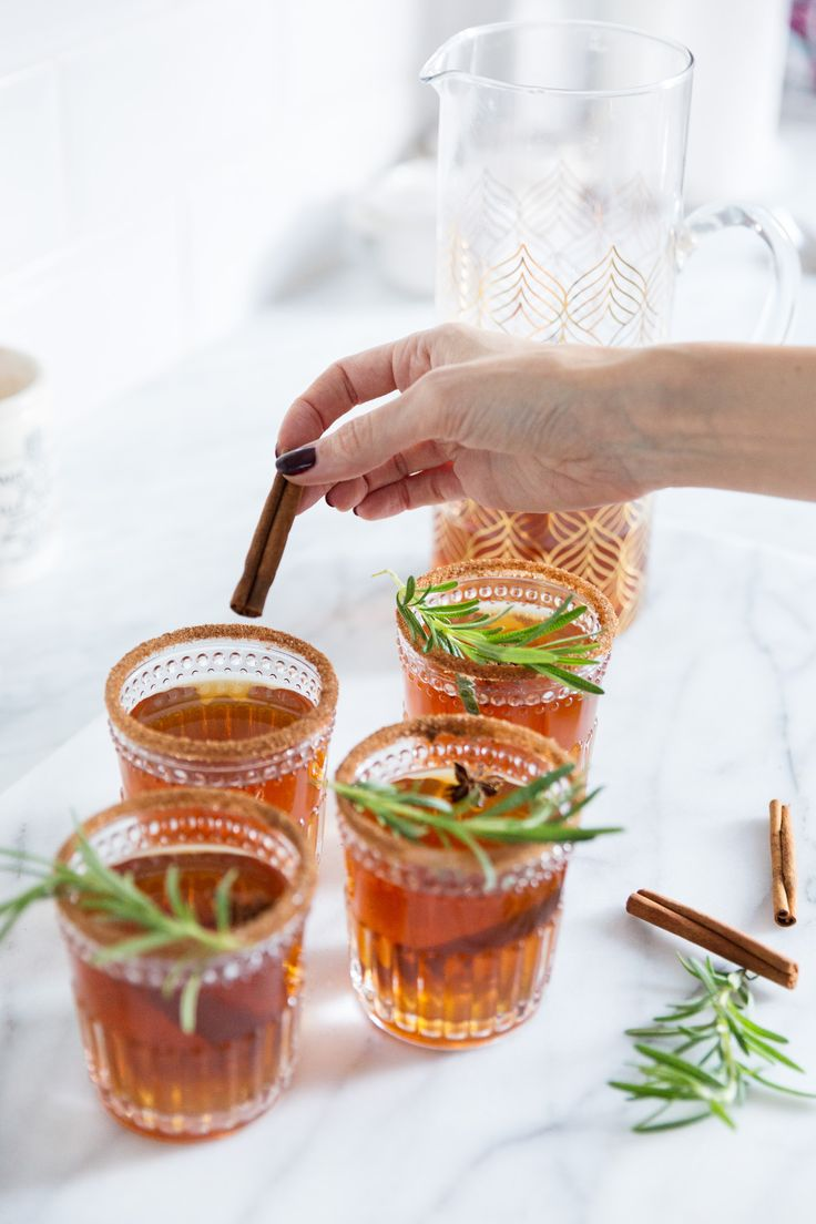Non-Alcoholic Mulled Apple Cider Recipe For Winter | Image via Louise Roe