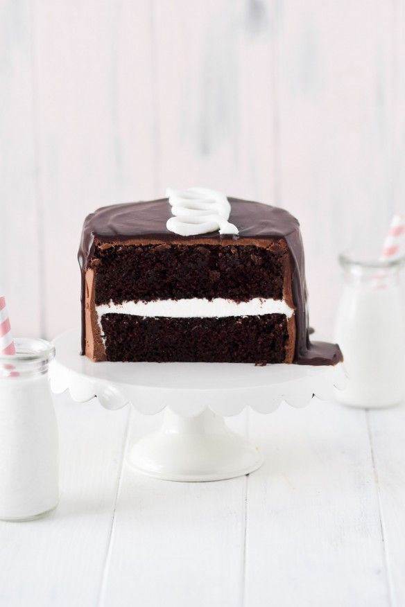 ... hostess cupcake cake with marshmallow creme and chocolate frosting and ganache ...