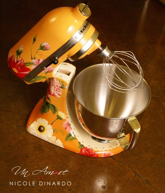 Nicole Dinardo and Un Amore Custom Designs - She turns your mixer into a work of art!Kitchen Aid Mixer, Kitchenaid Mixer, Favorite Things, Kitchens Aid Mixer, Amor Custom, Custom Painting, Custom Kitchenaid, Turn Kitchenaid, Painting Mixer