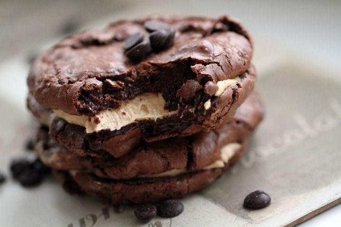 Passion 4 baking »Brownie Cookies With Peanut Butter Frosting ♥