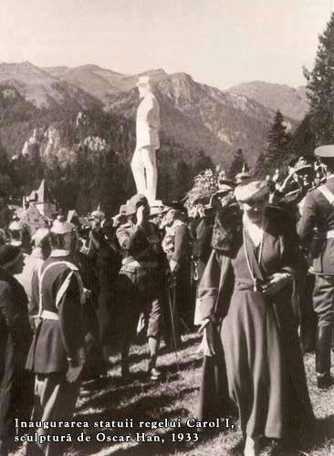 MM.LL. Regina Maria si Regele Carol II, la inaugurarea statuii regelui Carol I