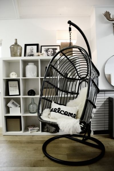 Hanging Chairs with a beautiful design, weight capacity 200 kgs, for in and outside. Worldwide shipping! www.moodadventures.com